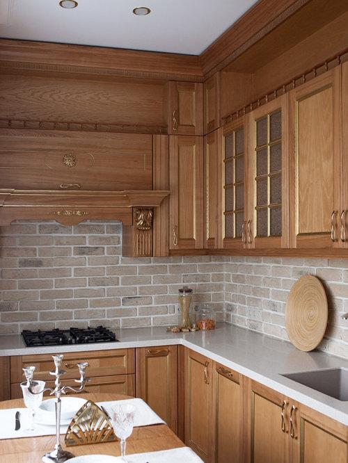 Küchen mit Rückwand aus Backstein und Schrankfronten mit vertiefter ...