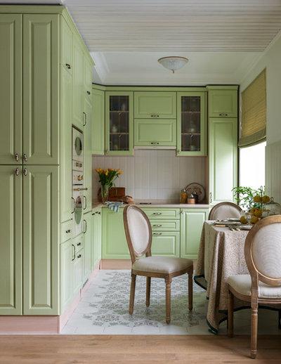Классический Кухня by ST-interiors