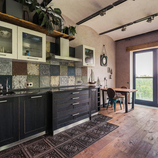 Photo of a large industrial l-shaped open plan kitchen in Moscow with an integrated sink, shaker cabinets, white cabinets, quartz benchtops, multi-coloured splashback, metal splashback, dark hardwood floors, no island, black benchtop and brown floor.