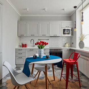 Пример оригинального дизайна: кухня в стиле современная классика