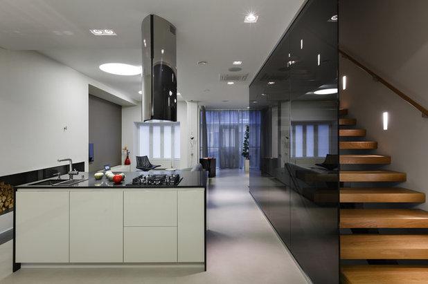 Современный Кухня by mudrogelenko design