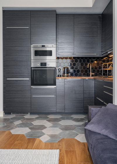Contemporary Kitchen by Авальремонт