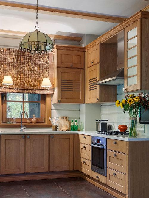 best farmhouse kitchen with glass sheet backsplash design