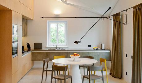 Houzz Литва: Квартира в Вильнюсе с необычным потолком и камином