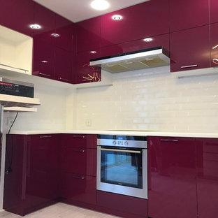 Винного цвета кухня