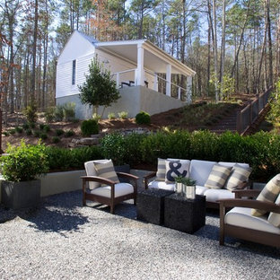 Design ideas for a transitional courtyard landscaping in Atlanta.
