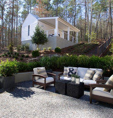 modern landscape by Kemp Hall Studio