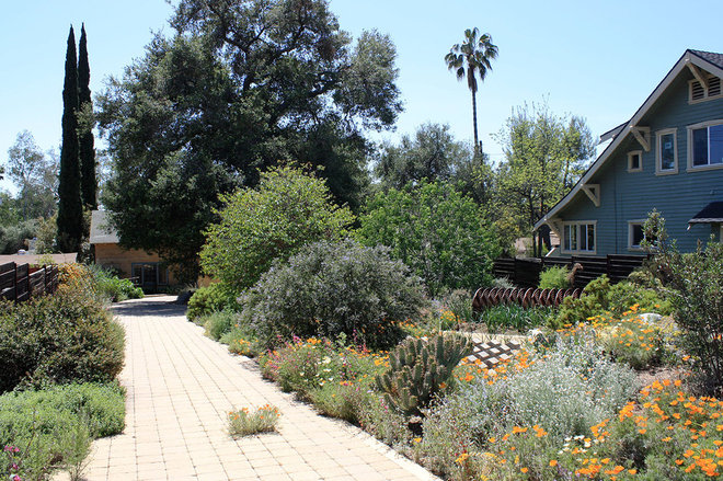 Craftsman Landscape by Theodore Payne Foundation