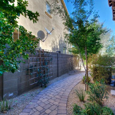 Traditional Landscape by The Matheson Team RE/MAX Fine Properties