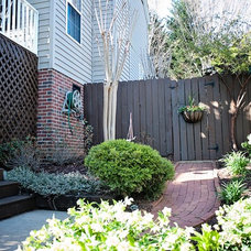 Traditional Landscape by Wilson Associates Real Estate