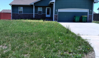 811 Quail, Valley Ctr. KS Front Yard Before Mowing