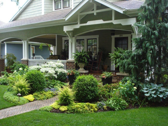 Traditional Landscape by Myron Greer Garden Design