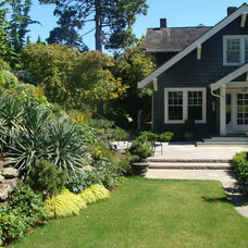 Craftsman Landscape by Brooks Kolb LLC Landscape Architecture