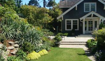 A Laurelhurst Hillside Garden