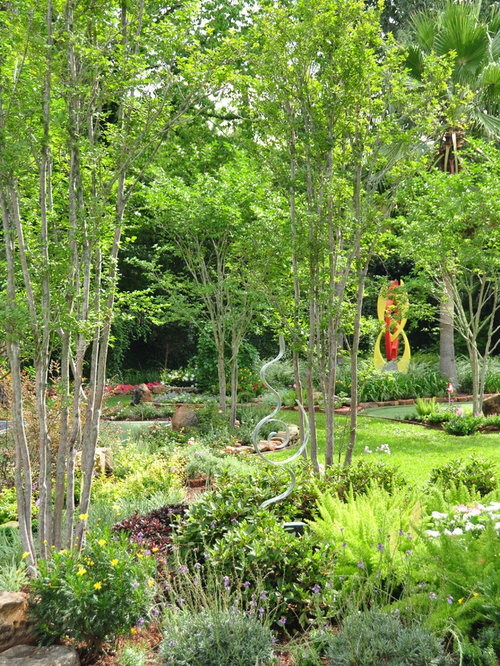 Design Ideas For A Huge Traditional Landscaping In Houston.