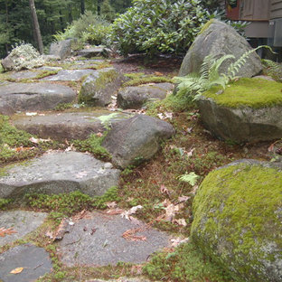 Design ideas for a mid-sized rustic landscaping in Manchester.