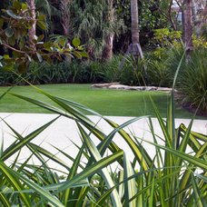 Tropical Landscape by Blakely and Associates Landscape Architects, Inc.