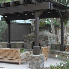 Traditional Landscape by AAA Landscape Specialists, Inc.