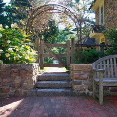 Traditional Landscape by Spencer-Abbott, Inc.