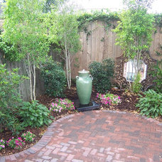 Traditional Landscape by Exterior Designs, Inc.