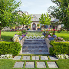 Traditional Landscape by AJ Design Studio