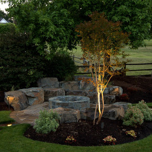 Design ideas for a traditional landscaping in Seattle.