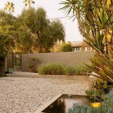 Modern Landscape by EPT DESIGN