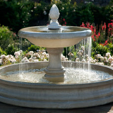 Traditional Landscape by Giffin & Crane General Contractors, Inc.