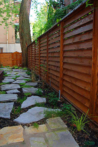 Louvered fence houzz for Horizontal garden screening