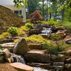 Traditional Landscape by J'Nell Bryson Landscape Architecture