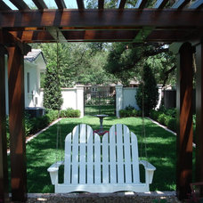 Traditional Landscape by MJM Design Group, Inc.
