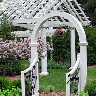 Design ideas for a victorian landscaping in Minneapolis.