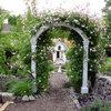 Wie Sie einen romantischen Garten anlegen und pflegen