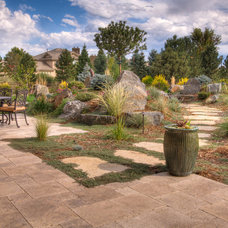 Traditional Landscape by MARPA DESIGN STUDIO