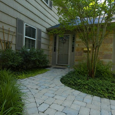 Traditional Landscape by Molly Scott Exteriors, LLC