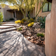 Contemporary Landscape by Santa Rita Landscaping, Inc.