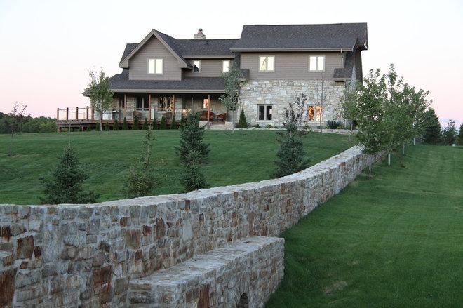 Traditional Landscape by Arrowhead Development Company Ltd