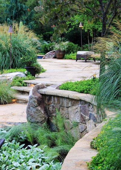 Современный Сад by SURROUNDS Landscape Architecture + Construction