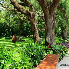 Traditional Landscape by Bell Landscape Architecture Inc.