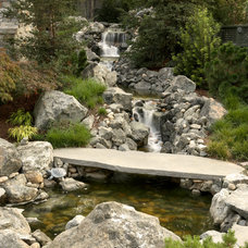 Traditional Landscape by Michael Callan Landscape Architect