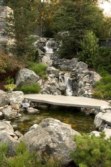 Traditional Landscape by Michael Callan Landscape Architect