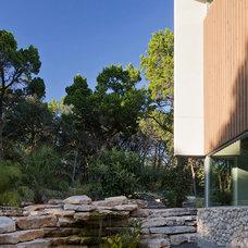 Modern Landscape by Foursquare Builders