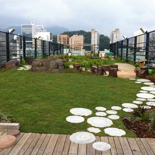 Design ideas for an eclectic rooftop landscaping in Hong Kong.