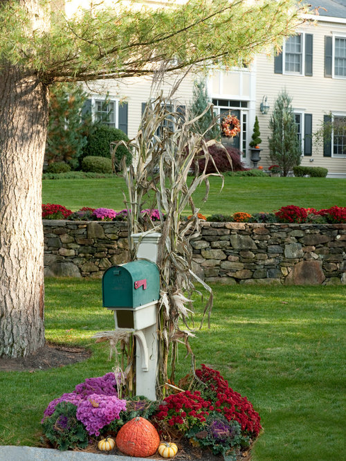 Mailbox Design Ideas landscaping around mailbox Design Ideas For A Traditional Front Yard Landscape