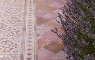 かわいくて優秀! 「テラコッタ」を用いた庭・玄関のアイデア