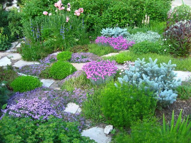 Klassisch Garten by Garden Creations, Inc.