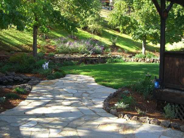 Traditional Landscape by Bill Doughty Landscaping Inc