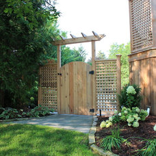 Traditional Landscape by Down2Earth Garden Design