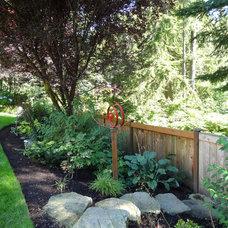 Craftsman Landscape by Grina Landscape Design, LLC