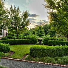 Traditional Landscape by The Collins Group/JDP Design